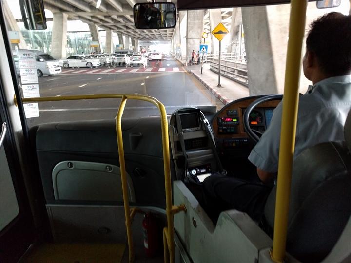 スワンナプーム⇔ドンムアン間のシャトルバス(車内1)
