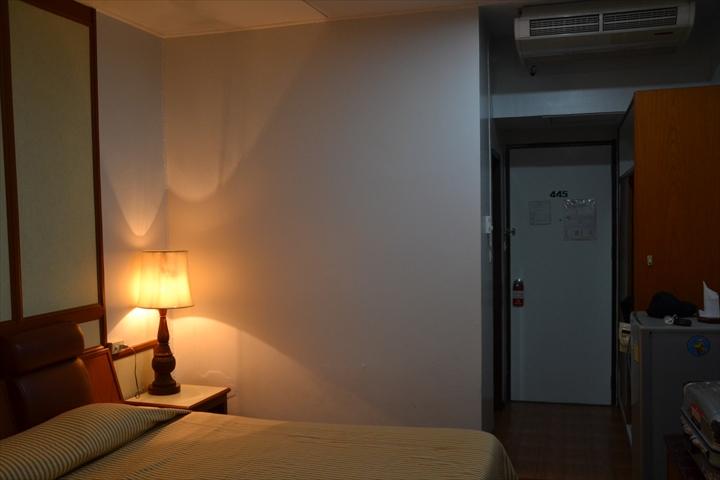 ナナホテルバンコク(部屋の入り口)