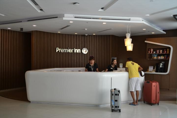 プレミア イン パタヤ(フロントデスク)