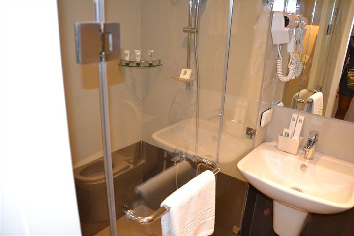 ホテル101マニラ(トイレ&洗面)