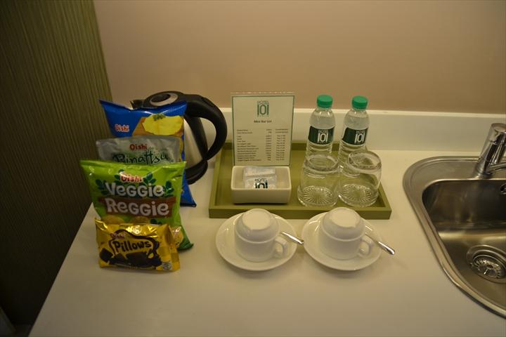 ホテル101マニラ(ミニキッチンと電気ポット)