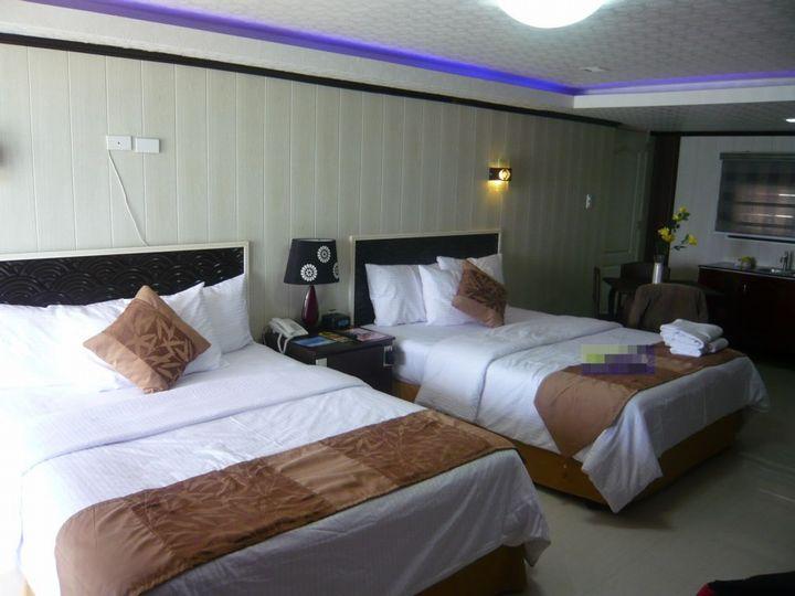 ボラカイの滞在ホテルはダイヤモンド ウォーター エッジ リゾート(室内)