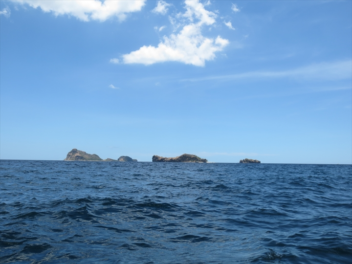 プンダキットビーチの沖の島々