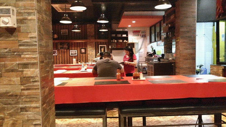 EGI Steak House (店内)
