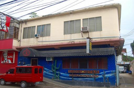 LONE STAR saloon bar