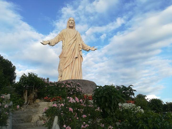 ハンドレッドアイランドの巨大像