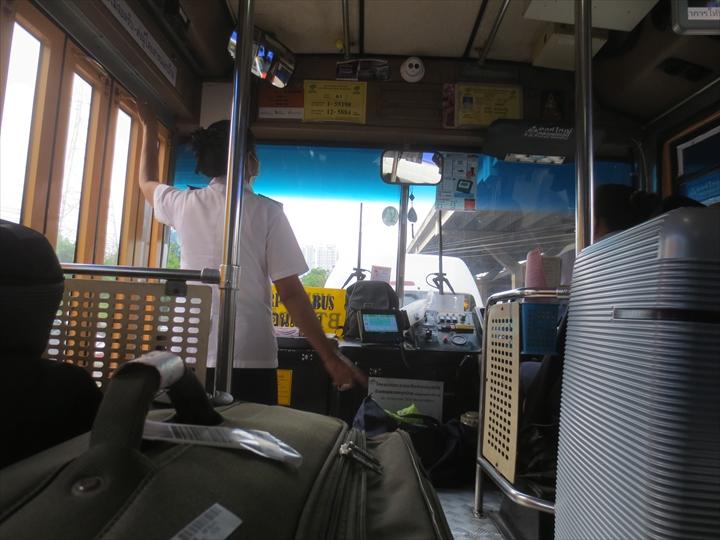 ドムアン空港からパタヤへ(2)