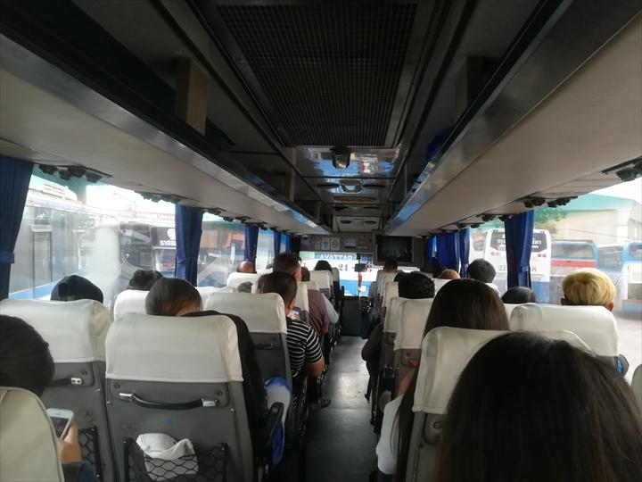 ドムアン空港からパタヤへバスで行く(11)