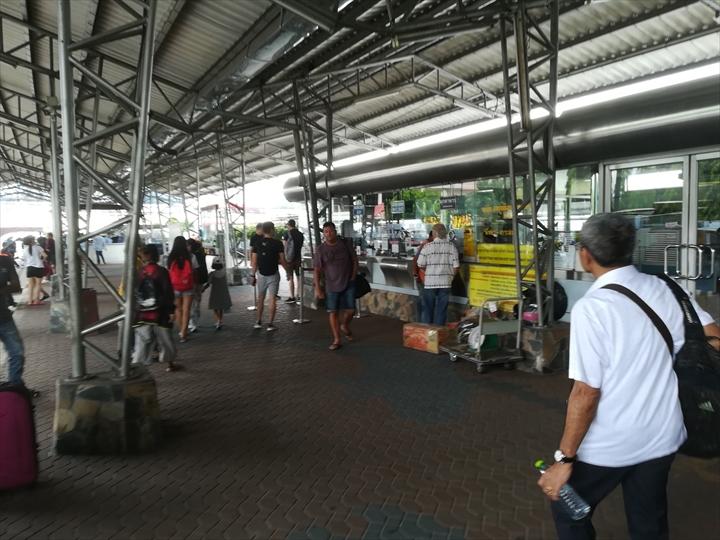 ドムアン空港からパタヤへバスで行く(13)
