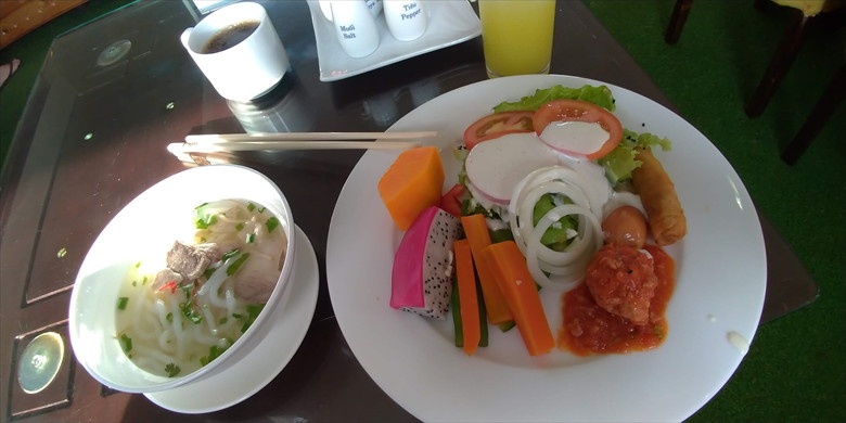 ドク ヴォン ホテル (朝食1)