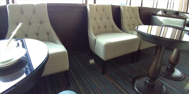 ドムアン国際空港のコーラルラウンジの様子(椅子)