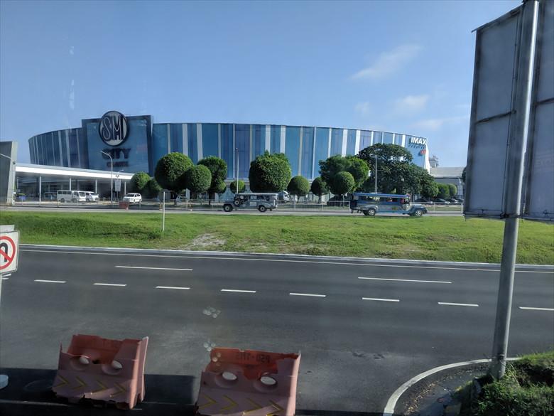 マニラターミナル1からアンヘレスへ(SMクラーク)