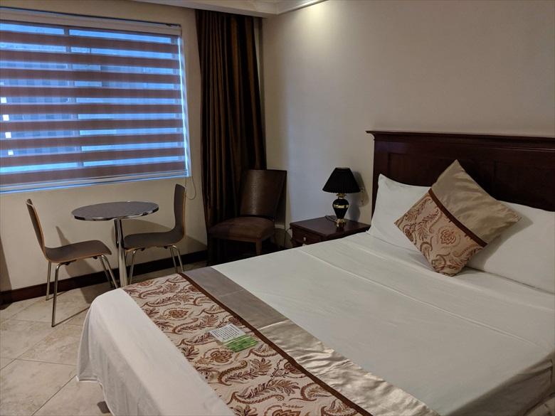 バレンティノズ ホテル(ベッド1)
