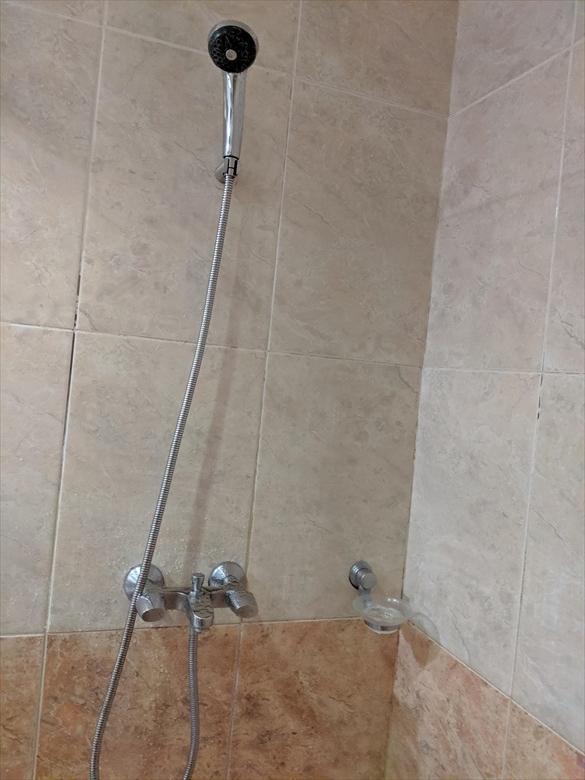 バレンティノズ ホテル(シャワー)