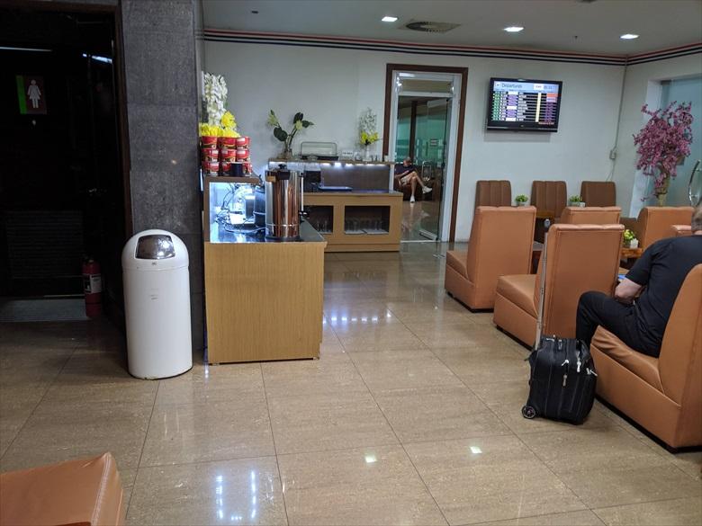 クラーク国際空港のVIPラウンジ(clark vip lounge)禁煙席1