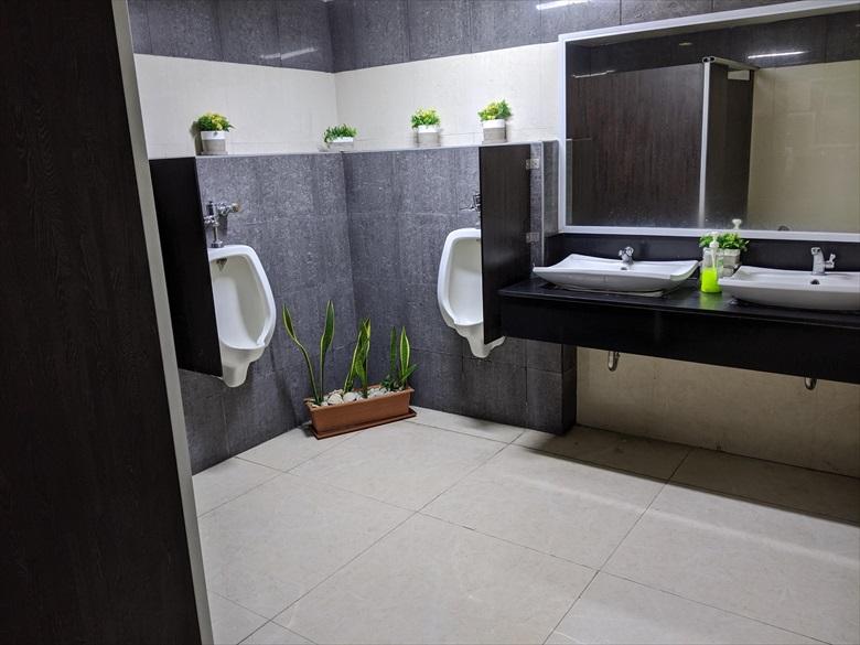 クラーク国際空港のVIPラウンジ(clark vip lounge)トイレ