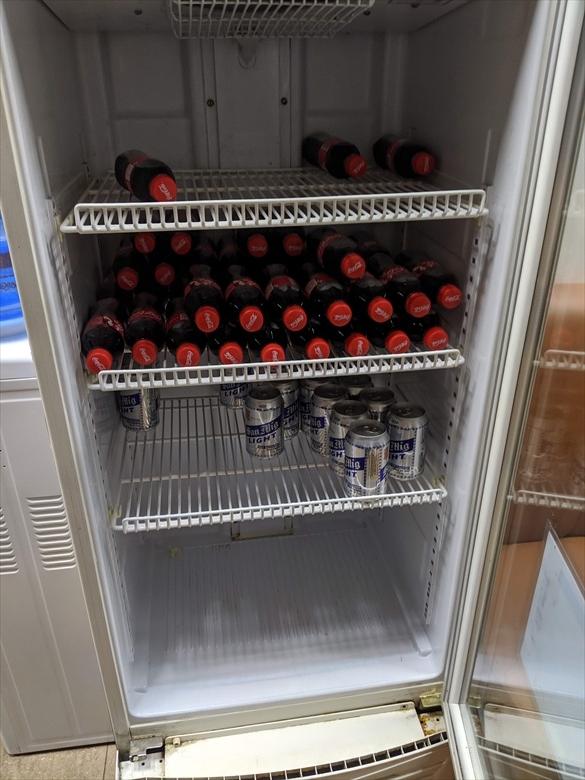 クラーク国際空港のVIPラウンジ(clark vip lounge)冷蔵庫
