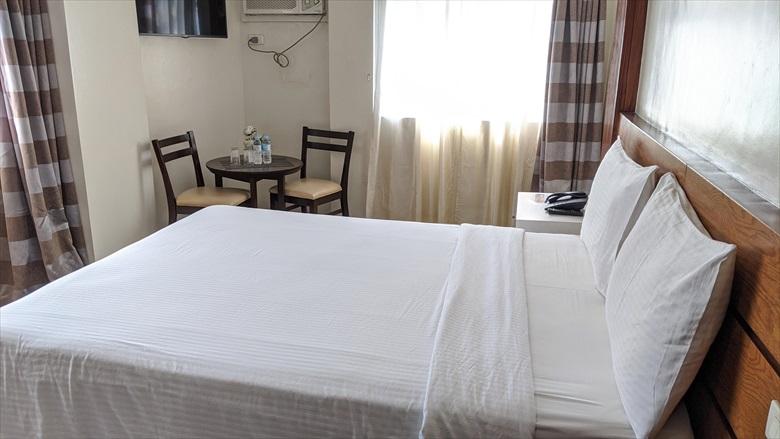 アンヘレス グレースクラウンホテル(ベッド)